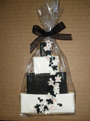 These were made as favors to match the wedding cake.