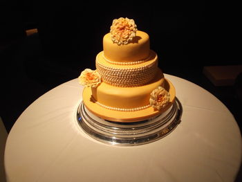 seamus and laras wedding cake 001.JPG