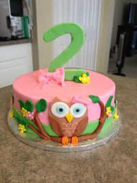 * Owl Cake in buttercream with fondant decorations.