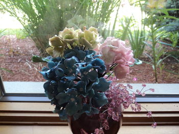 Practice hydrangeas to use leftover fondant/gumpaste