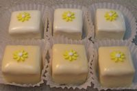 Petit Fours, with poured fondant (ddaigles recipe & instructions) tiny fondant daisy