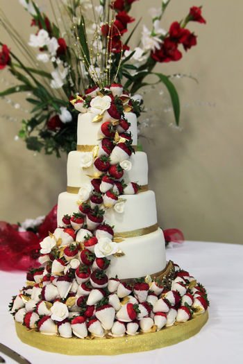 Wedding Cake with Dipped Strawberries!