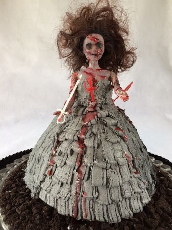 Zombie princess! Who says the mound pan is only for pretty princesses?