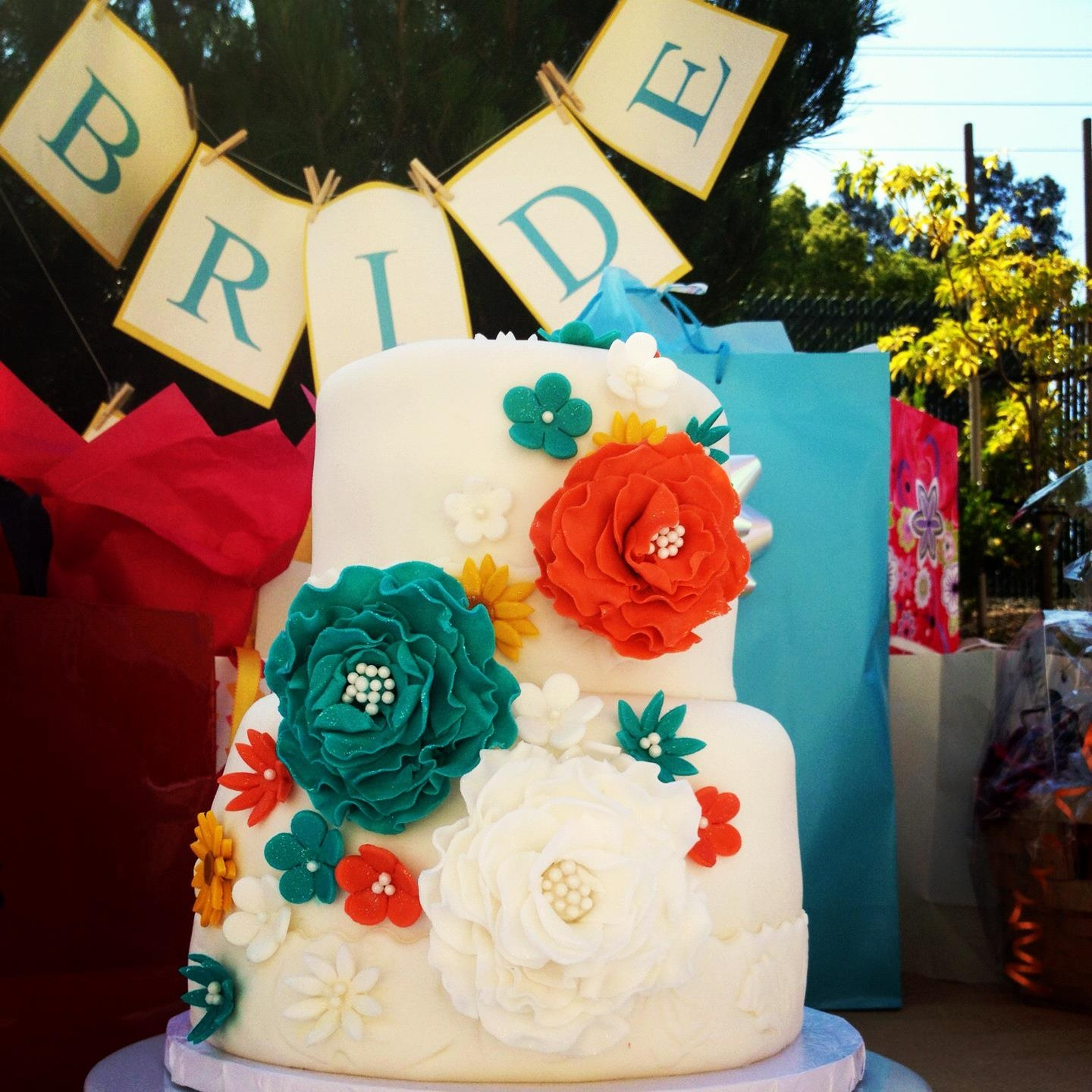 Floral bridal shower cake