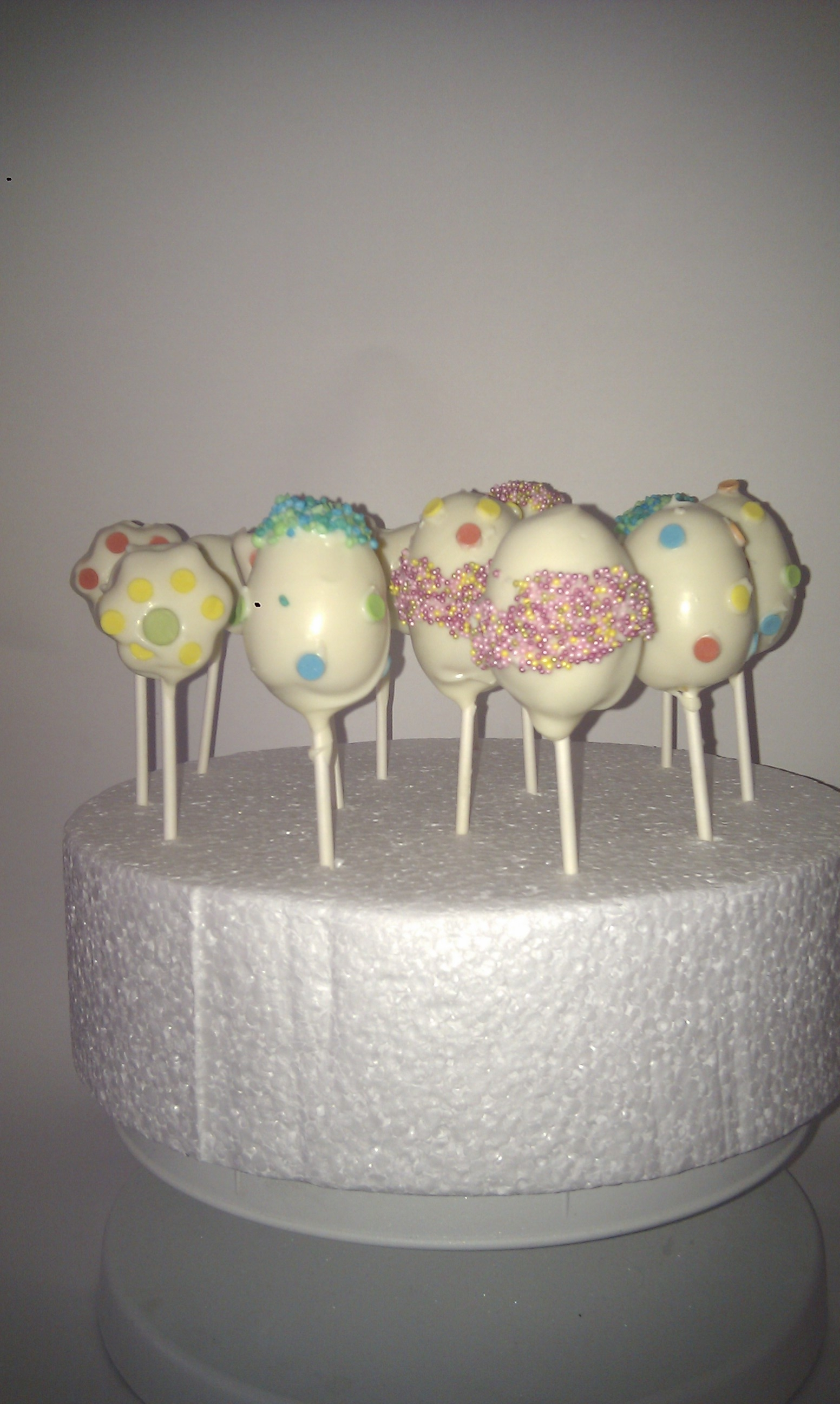 A selection of standard and fully designed cakepops