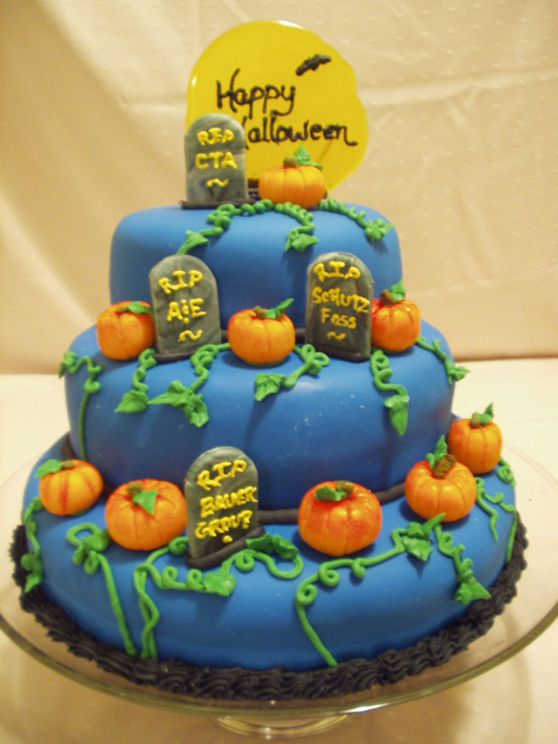 pittiema's photos in 2006 Halloween Cake Contest