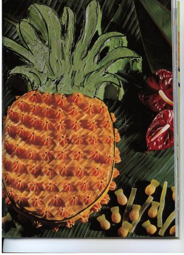Pineapple Shaped Cake D