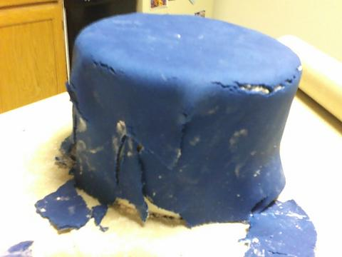 How to Fix Cracked Fondant on a Cake recommend