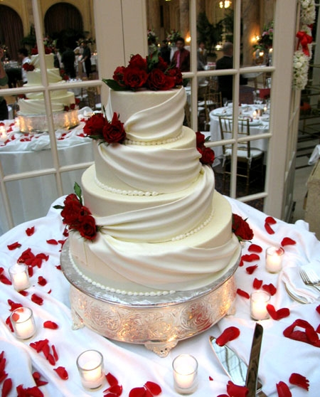 How Much For A 4 Tierd Mmf Wedding Cake Feeds 150