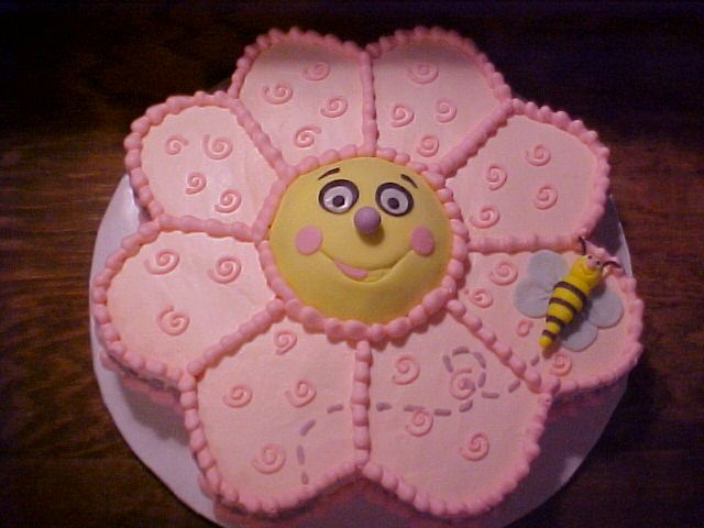 Flower Shaped Birthday Cake