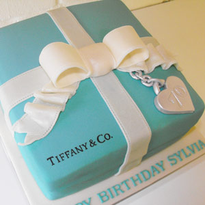 how do i make clean crisp lid for a tiffany box cake