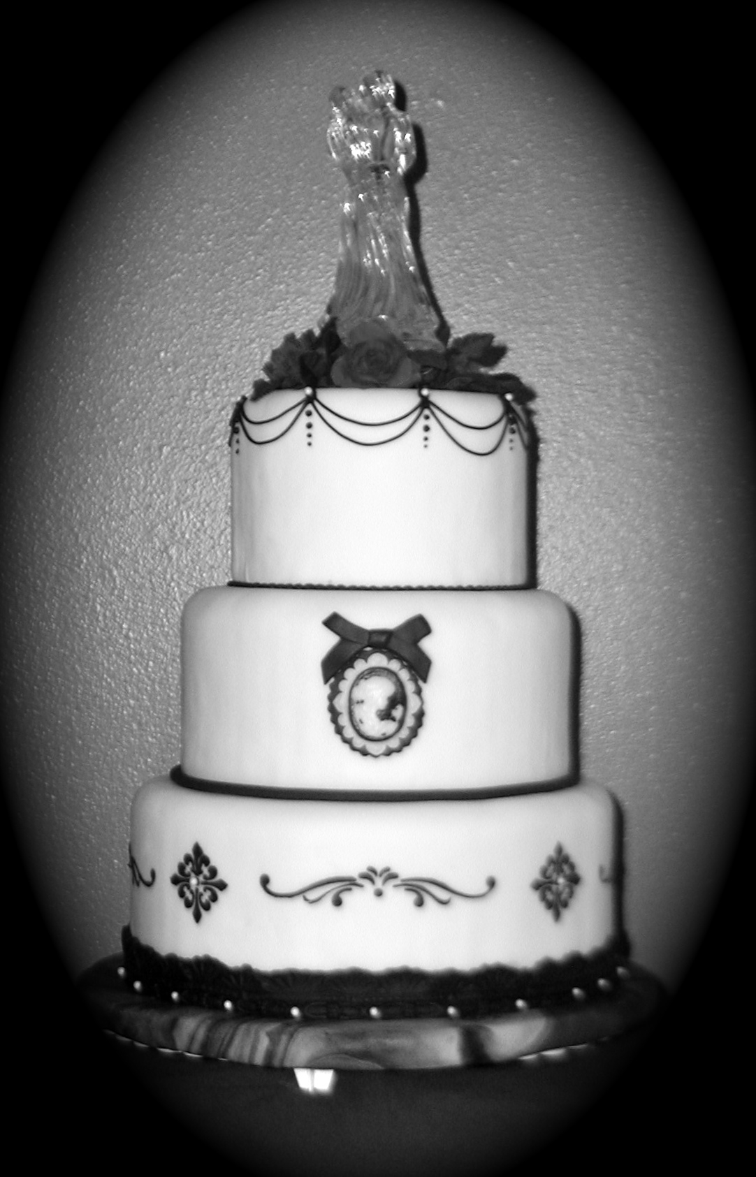 Black & White Cameo Wedding Cake by Say It With Frosting, Trish Sarfert.