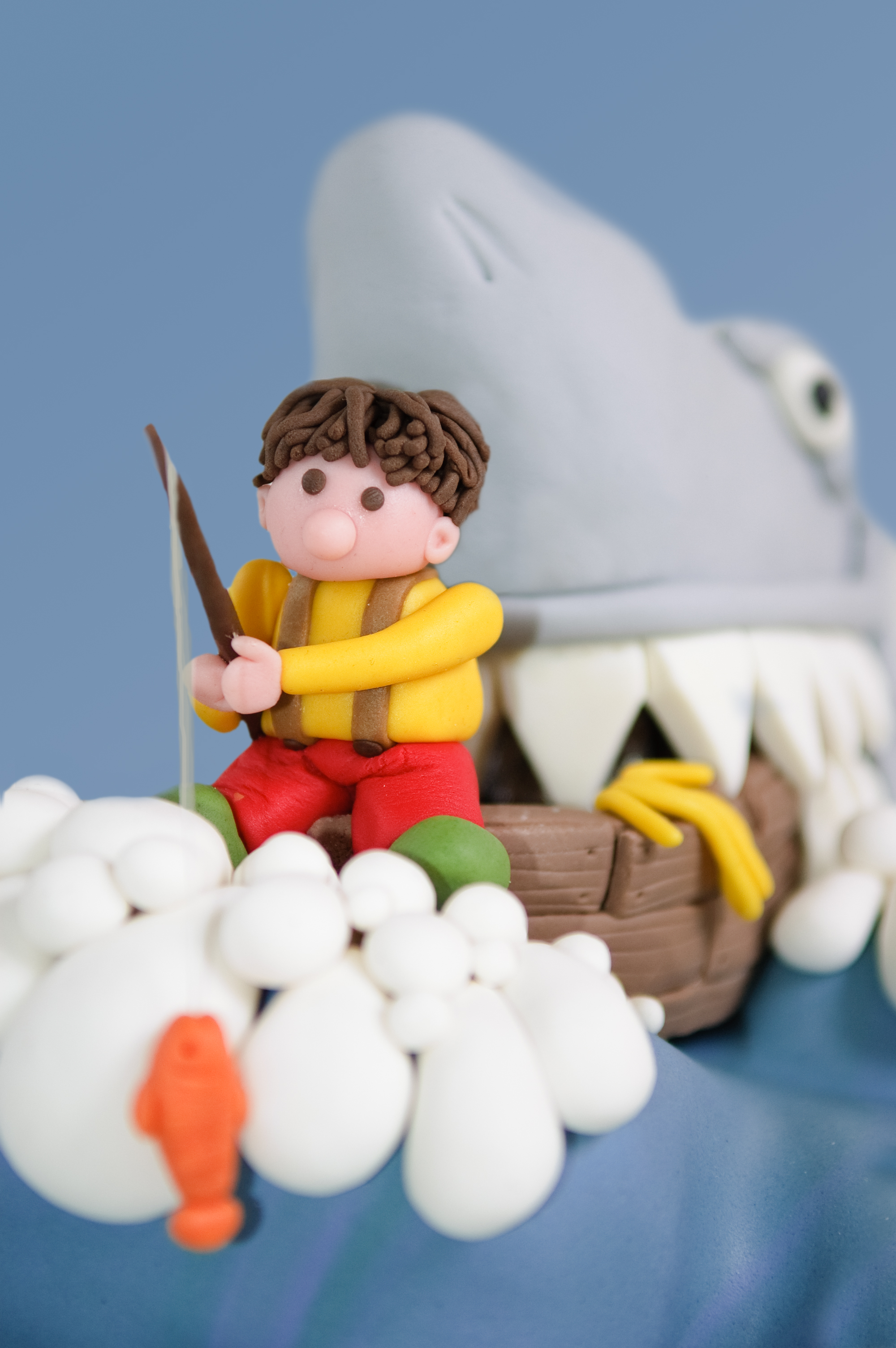 Request was to make a cake with a summer holiday feeling, so a relaxed fishing party should do the job...